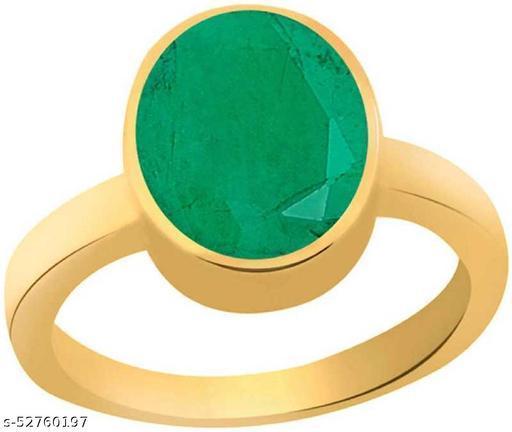 Emerald Panna Ring