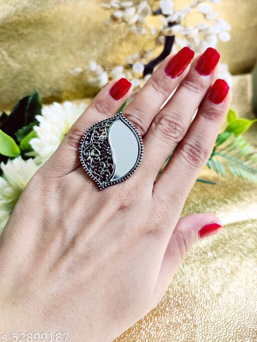Oxidized Silver Adjustable Stylish Ring for Women  Size: Adjustable Color: Oxidized Style