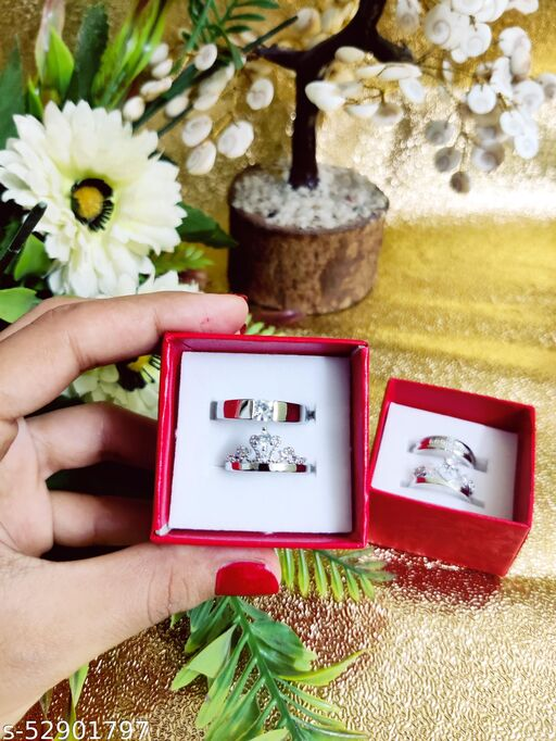 COUPLE RINGS SET KING AND QUEEN RING WITH BOX