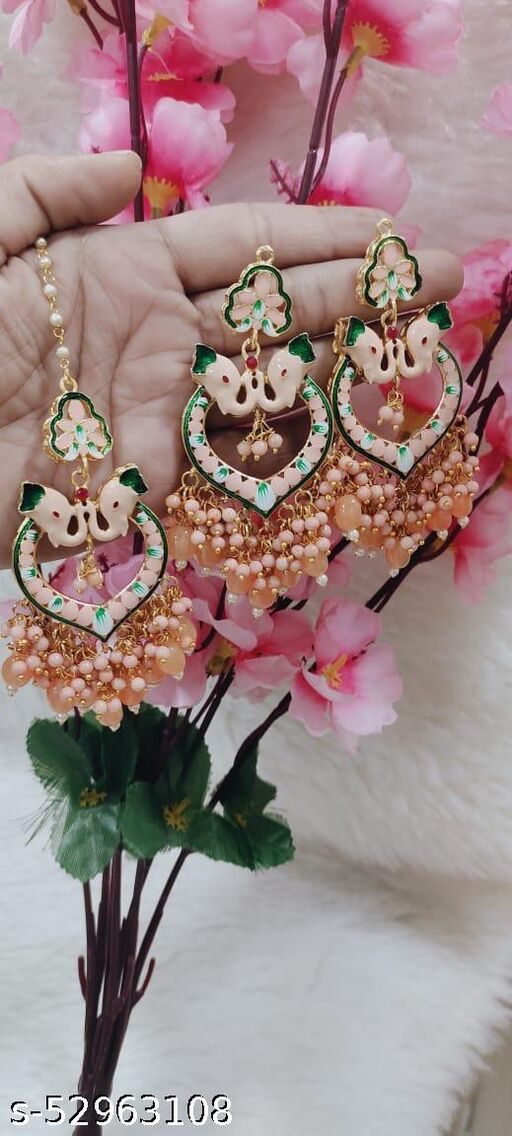 Earring with Tikks