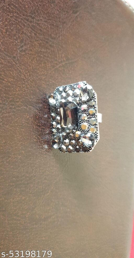 Pakiza Ring