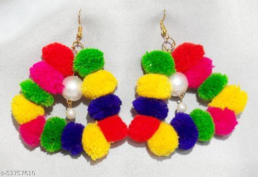 Women fasionable pompom earrings