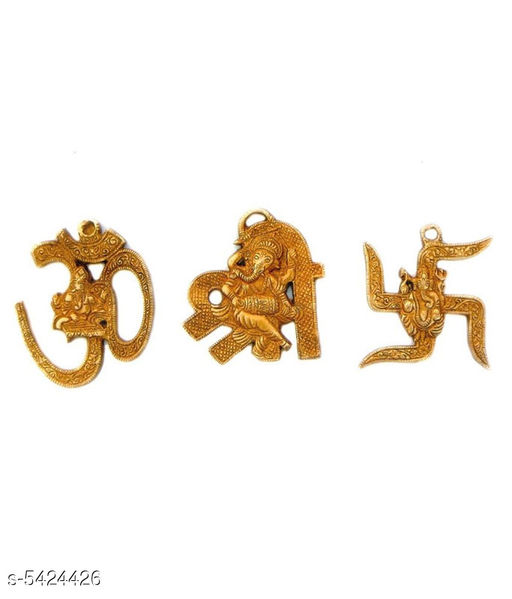 Yantra Trendy Decorative Spiritual Festival Need  *Material* Brass  *Size* (L X B)  *Description* It Has 3 Pieces Of Lord Ganesha Idols  *Sizes Available* Free Size *    Catalog Name: Free Gift Trendy Decorative Spiritual Festival Needs Vol 16 CatalogID_808517 C139-SC1678 Code: 444-5424426-