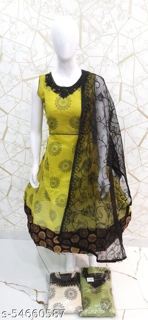 LONG DRESS MODEL