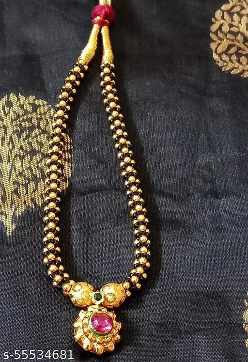 SHRUTI  F necklaces &  chain