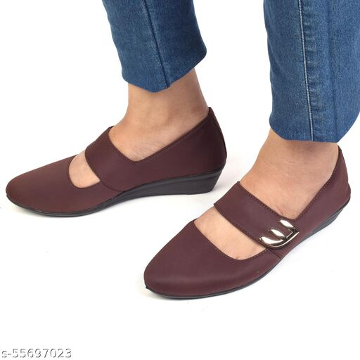 XE Looks Stylish and Comfortable Brown Bellies For Women