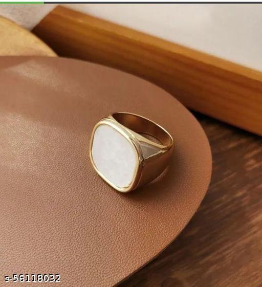 Yu Fashions Square White Vintage Signet Ring