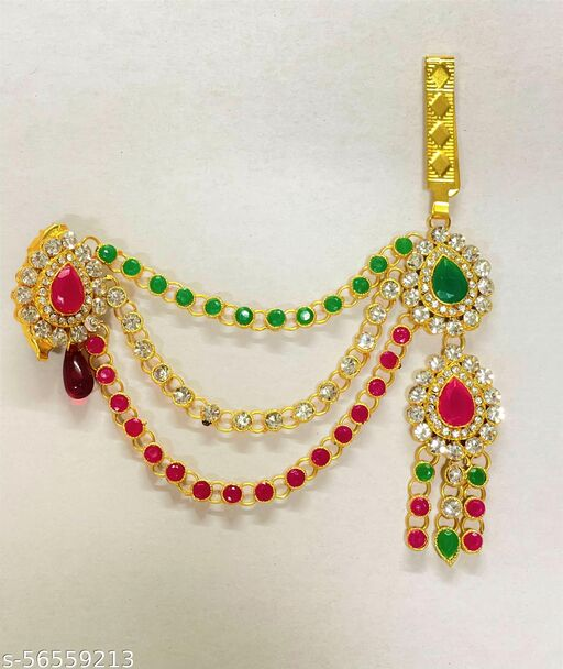 also known as belly chain is a type of jewellery worn around the waist. They are made of gold, silver, and other different metals and suits every body type and gives the ethnic look with sarees, lehengas or jeans