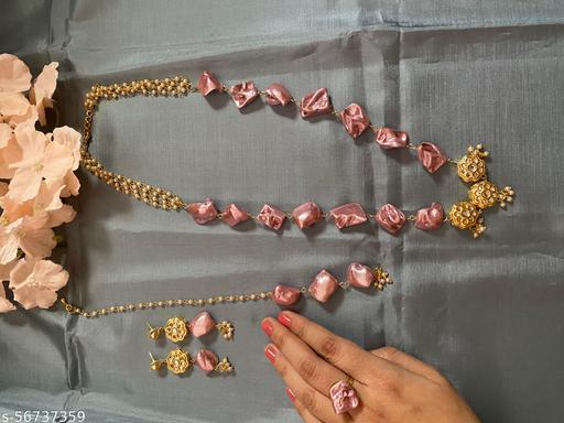 Kalakari mother of pearls necklace set