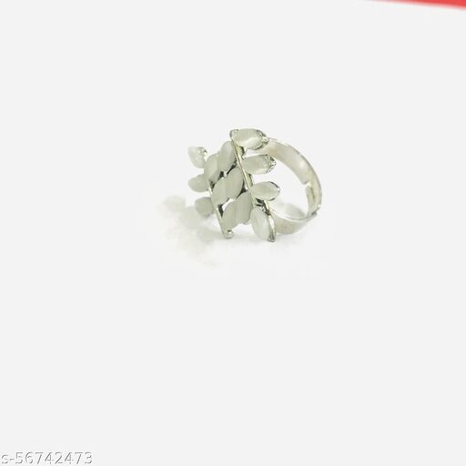Stylish floral design silver rings for girls