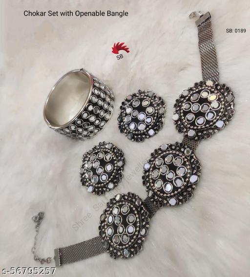 Mirror Black Lac Choker with Bangles & Earrings