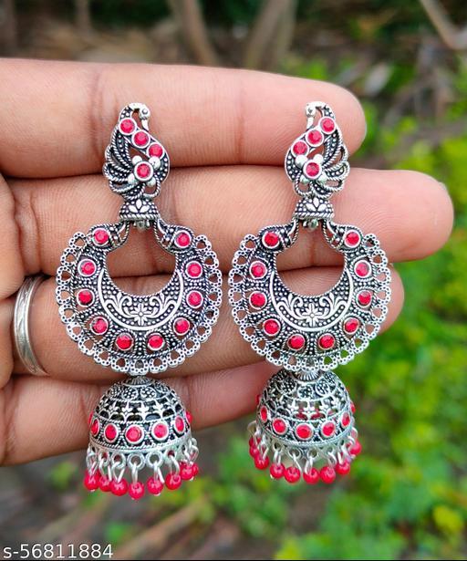 Traditional earing set