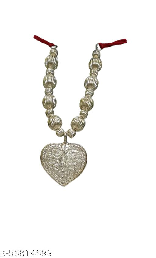Kanthi necklaces & chains