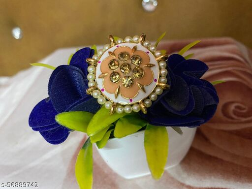 tradition flower shaped ring for festive and wedding seaSONS