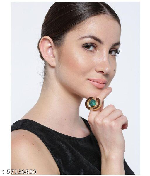 Gold-Plated Adjustable Ring with Green Druzy Stone