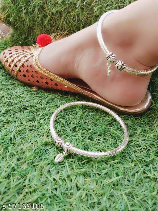 Shimmering Bejeweled Women Anklets & Toe Rings