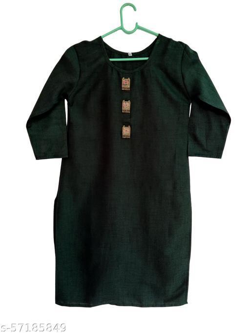 Women Solid Rayon Straight Kurta (Dark Green)