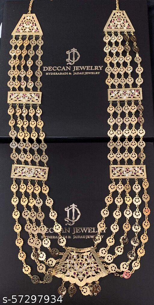 Twinkling Graceful necklaces & Chains