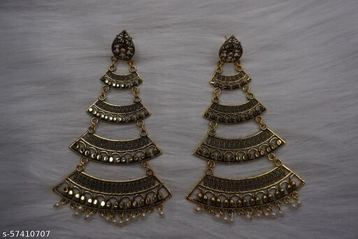 4_LAYERED_FLAIR_GOLD_EARRINGS