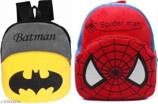 Kids sa school bags