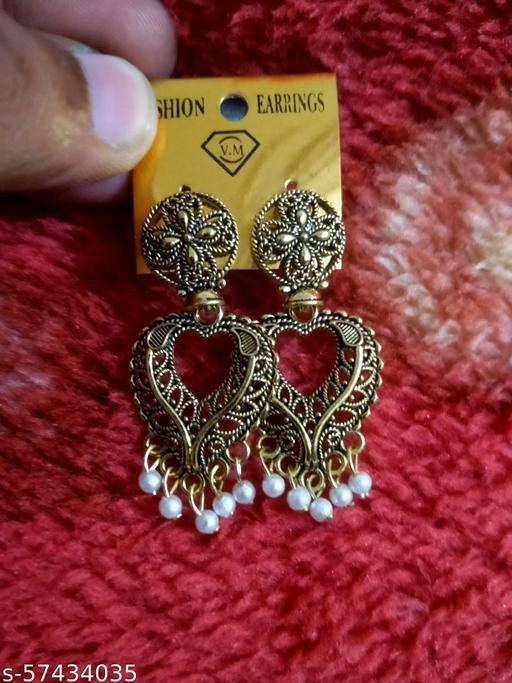 Beautiful love shape earring