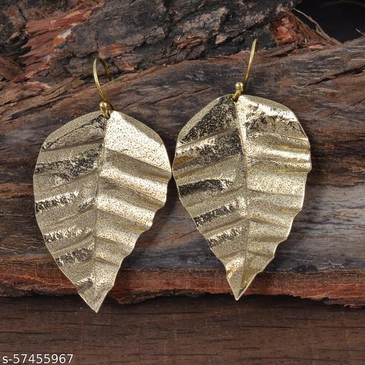 Leaf Shape Dangle Drop Handmade Earring for Women Fashion festival Jewelry Gold Plated Brass Earrings in low price with great deal