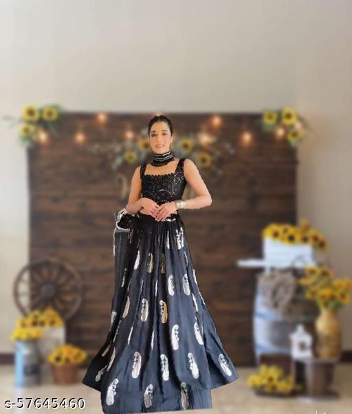 ·   Navratri lengha Choli Tredisnal lengha  choli women lengha choli Wedding Women Fashion Ethnic Wear