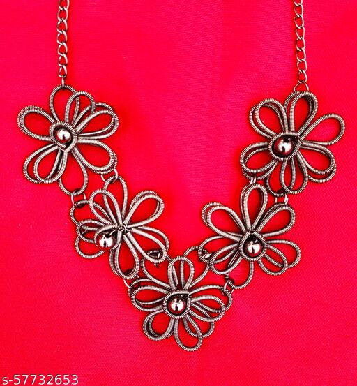 Trendy Knitted Necklace