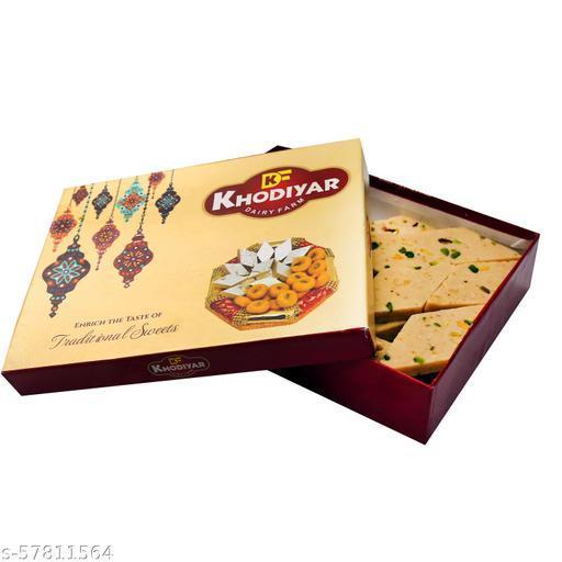 Delight Foods Premium Kaju Katli Barfi, 250 g