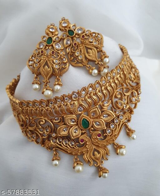 RAJWADI CHOKAR WITH EARRINGS SET