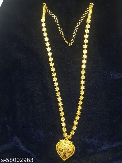 Long chain with pendent