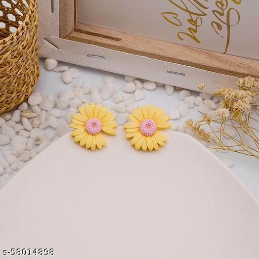 BLING Trendy 90'S  Daisy Stud Earrings