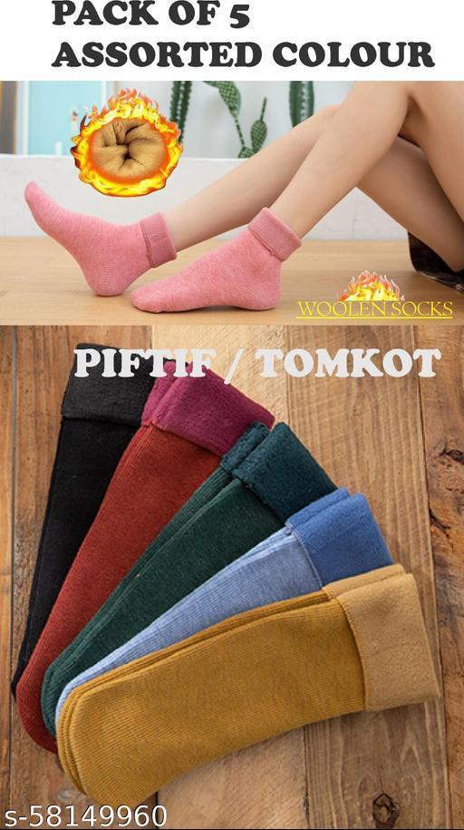 Fancy Modern Women Woolen Socks