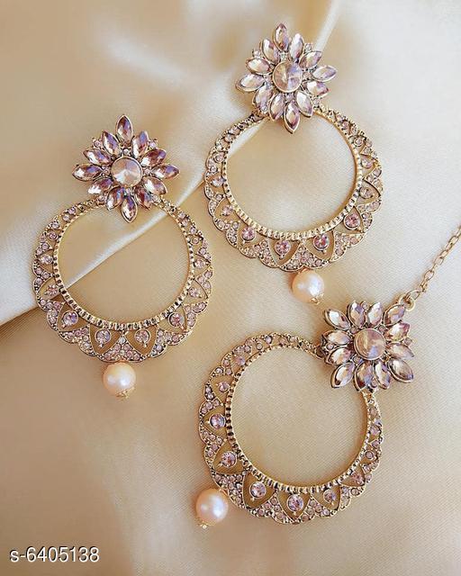 Stylish Kundan Women's Tika With Earrings