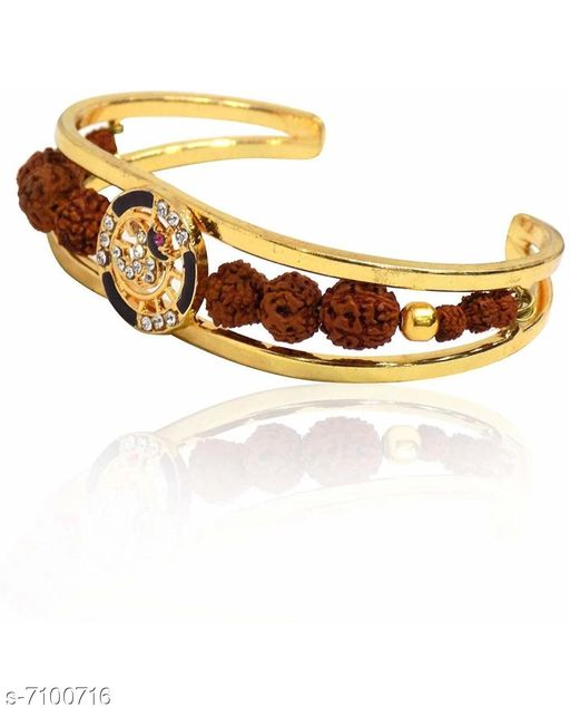 Jewellery Bracelet  *Base Metal* Alloy  *Multipack* 1  *Sizes*   *Sizes Available* Free Size *    Catalog Name: Styles Trendy Men Jewellery CatalogID_1133370 C65-SC1227 Code: 932-7100716-