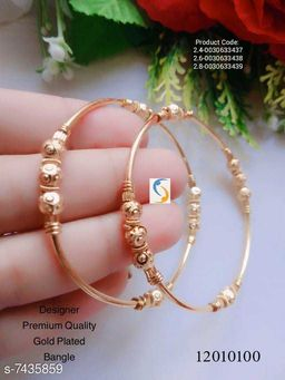 GOLD PLATED NEW DESIGN BANGLE.