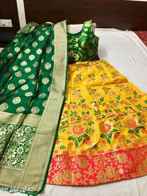 Lehengas Beautiful  Banarasi brocade Lehenga Choli  *Topwear Fabric* Banarasi Brocade  *Bottomwear Fabric* Banarasi Brocade  *Dupatta Fabric* Banarasi Brocade  *Set type* Choli And Dupatta  *Top Print or Pattern Type* Brocade  *Bottom Print or Pattern Type* Brocade  *Dupatta Print or Pattern Type* Brocade  *Sizes*   *Semi Stitched (Lehenga Waist Size* Up To 38 in To 40 in, Lehenga Length Size  *Sizes Available* Semi Stitched *    Catalog Name: Banita Fashionable Women Lehenga CatalogID_1197593 C74-SC1005 Code: 7491-7447842-