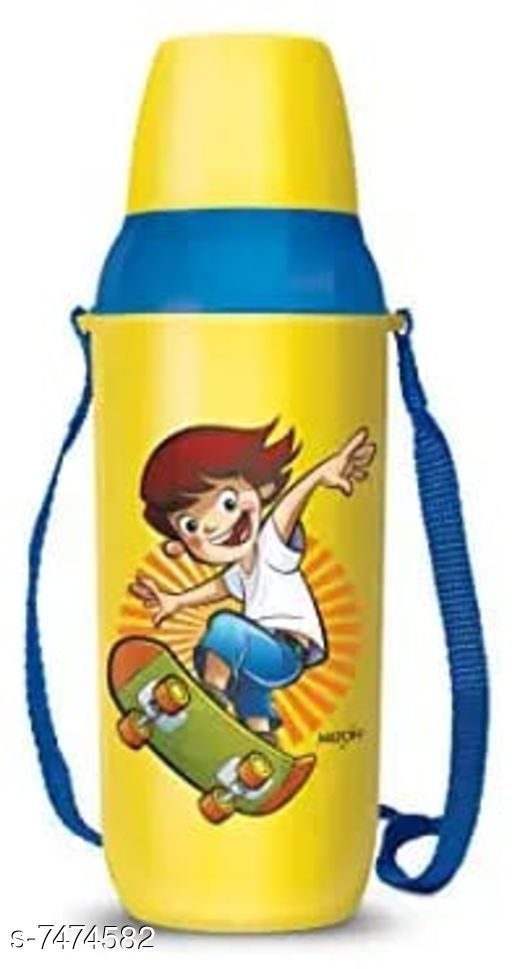 Kids Bottle & Bottle Covers Stylish Water Bottle  *Material* Plastic  *Pack* Pack of 1  *Size (in ltrs)* 650 ml  *Sizes* Free Size  *Sizes Available* Free Size *    Catalog Name: Stylish Water Bottle CatalogID_1203132 C138-SC1672 Code: 872-7474582-
