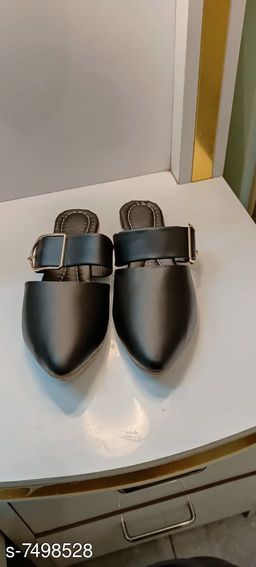Stylish Women's Leather Multicolor Bellies