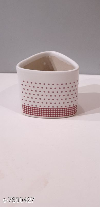 Table top White tringle shape ceramic planter, with design in Red