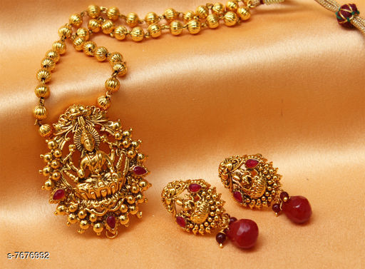 Pendants & Lockets Trendy Pendant  *Plating* Gold Plated  *Multipack* 1  *Sizes*   *Sizes Available* Free Size *    Catalog Name: Allure Bejeweled Pendants & Lockets CatalogID_1247485 C77-SC1095 Code: 644-7676992-