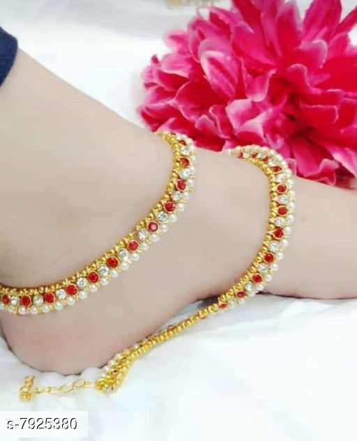 Anklets & Toe Rings Anklets & Toe Rings  *Base Metal* Brass  *Plating* Brass Plated  *Stone Type* Artificial Stones  *Type* Anklet with Toe Ring  *Multipack* 1  *Sizes* Free Size  Adjustable  *Sizes Available* Free Size *    Catalog Name: Shimmering Glittering Women Anklets & Toe Rings CatalogID_1303461 C77-SC1098 Code: 991-7925380-