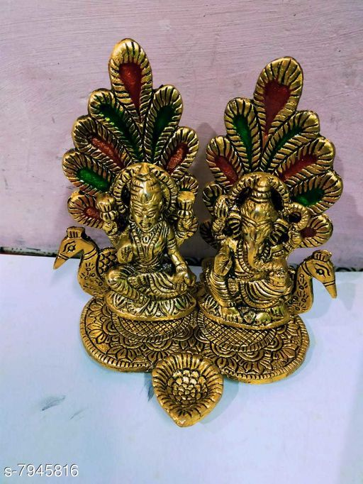 Show pieces metal handicraft material brass  *Material* Brass  *Pack* Pack of 1  *Sizes Available* Free Size *    Catalog Name: Classic Idols & Figurines CatalogID_1308053 C127-SC1615 Code: 3801-7945816-0041