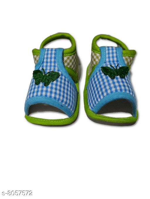 Flats BABY GIRL'S PRINTED SANDALS  *Material* Textile  *Sole Material* Polyurethane  *Sizes*  0-4 Months  *Sizes Available* 0-4 Months *    Catalog Name: Pretty Classy Kids Girls Sandals CatalogID_1332855 C60-SC1166 Code: 001-8057572-