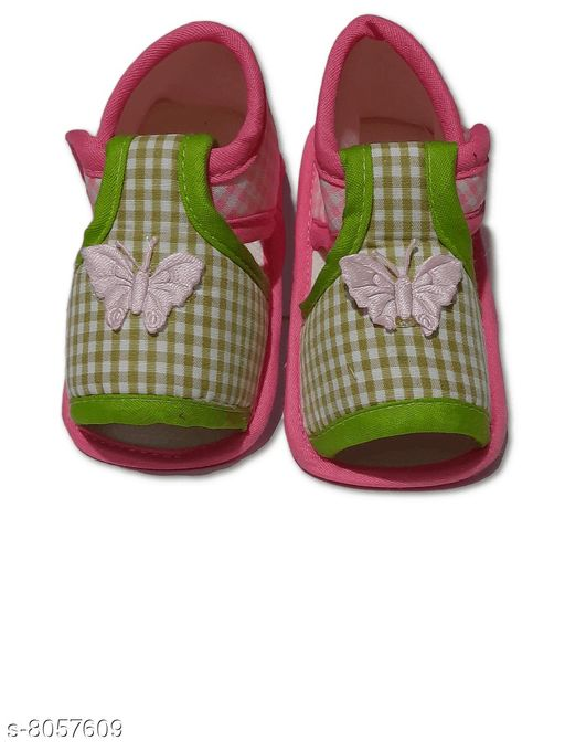 Flats BABY GIRL'S PRINTED SANDALS  *Material* Textile  *Sole Material* Polyurethane  *Sizes*  0-4 Months  *Sizes Available* 0-4 Months *    Catalog Name: Cutiepie Classy Kids Girls Sandals CatalogID_1332862 C60-SC1166 Code: 001-8057609-