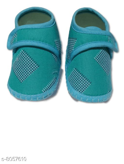 Flats BABY GIRL'S SANDALS  *Material* Textile  *Sole Material* Polyurethane  *Sizes*  0-4 Months  *Sizes Available* 0-4 Months *    Catalog Name: Cutiepie Classy Kids Girls Sandals CatalogID_1332862 C60-SC1166 Code: 001-8057610-