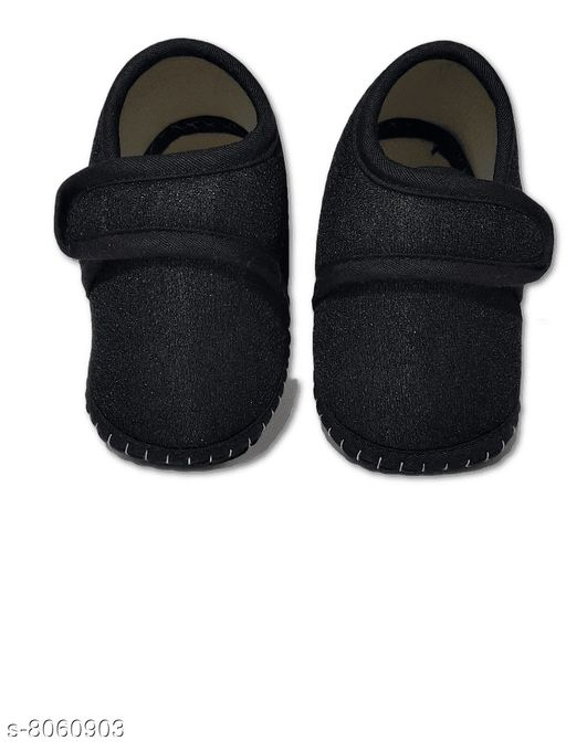 Casual Shoes NEW BORN BABY SHOES  *Material* Textile  *Sole Material* Polyurethane  *Multipack* 1  *Sizes*  0-4 Months  *Sizes Available* 0-4 Months *    Catalog Name: Princess Fancy Boys Casual Shoes CatalogID_1333638 C57-SC1188 Code: 181-8060903-