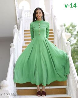 Imposing Green Colored Casual Wear Cotton Long Kurti