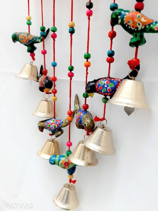 Wind Chimes Traditional Wind Chime Parrot  *Material* Handicraft  *Pack* Pack of 1  *Sizes Available* Free Size *    Catalog Name: Classic Chimes CatalogID_1444147 C127-SC1619 Code: 572-8539052-