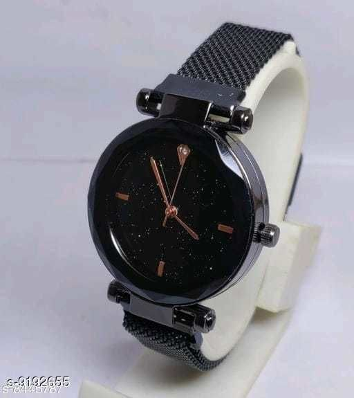 Stylish new  megnetic strap unique watch for girls